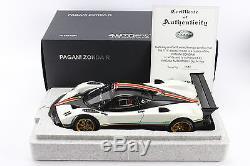 118 AUTOart Signature. Pagani Zonda R. White / Italian Stripes. 78262