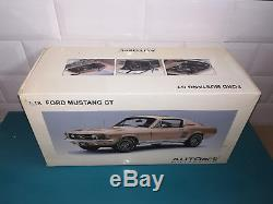 13.01.19.3 AUTOart 1/18 RARE Ford Mustang GT 390 GT390 1967 gold