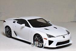 1/18 Autoart Signature LEXUS LFA White