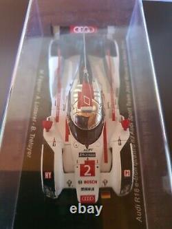 24 Heures du Mans. Audi E-Tron winner le Mans 2014 1/43 Spark no looksmart