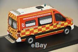 ALERTE 077- Mercedes Benz Sprinter 4X4 SANICAR VSAVHR SDIS 38 Pompiers Iser 1/43