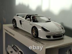 AUTOART 1/18 PORSCHE CARRERA GT blanc / white 78045