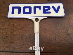 Ancien présentoir NOREV, 30 Voitures
