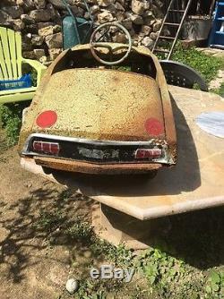 Ancienne Voitures À Pédalés Citroën Ds