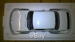 BMW 2002 Turbo 118 Auto art Millenniun Model die-cast Car in White