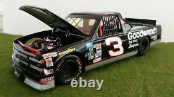CHEVROLET PICK UP SUPERTRUCK # 3 noir NASCAR GOODWRENCH M SKINNER 1/18 ERTL 7286