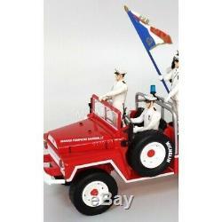 Camion Pompier ACMAT BMPM PORTE DRAPEAU AVEC 8 FIGURINES 1/43 Nouveau