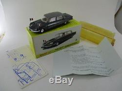 Citroën DS Présidentielle DINKY TOYS 1415