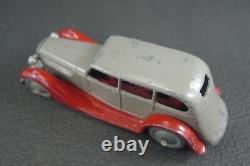 DINKY TOYS FRANCE. Conduite intérieure. REF 24 b (1940)