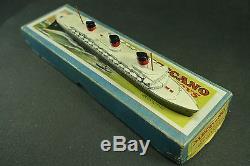 DINKY TOYS FRANCE. Transatlantique paquebot NORMANDIE + Boite. REF 52 C