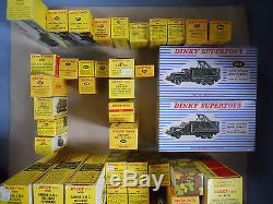 DINKY TOYS MILITAIRE LOT EXCEPTIONNEL DE 56 MODELES NEUFS EN BOITES D'ORIGINE