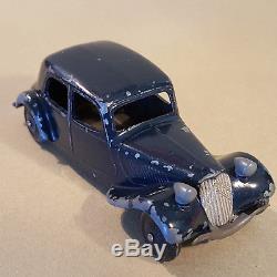 Dinky Toys France Modèle n° 24N Citroën 11 BL Traction Bleue Nuit