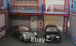 Diorama 1/18 atelier garage Martini Porsche BMW 118 car service center