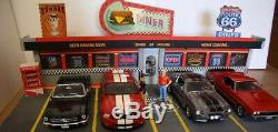 Diorama DINER USA route 66 1/18 avec leds pour 4 voitures scale 118 29x36.5x78