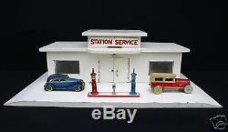 E160 Garage Station-service Bois Pompes Dinky