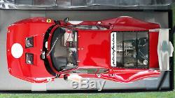 FERRARI 512BB LM 1979 rouge ronds blancs au 1/18 BBR HE180021 voiture miniature