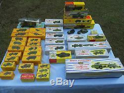 Jouets Anciens Dinky Toys Exceptionnel Lot 40 Modeles Neufs En Boites D'origine