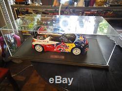MAQUETTE avec VITRINE DS3 SEBASTIEN LOEB WRC 2011. Éch 1/8ème PIECE UNIQUE