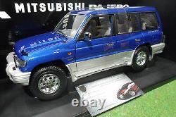 MITSUBISHI PAJERO LWB 1998 LHD 4x4 1/18 AUTOart 77103 voiture miniature collecti