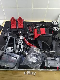 Maquette Altaya Ferrari Enzo 1/10 partiellement montée (complète)