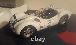 Maserati tipo 61 birdcage 1960 1/18 cmc avec sa boite