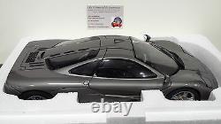 McLAREN F1 ROADCAR dark silver 1/12 MINICHAMPS 530133124 voiture miniature coll