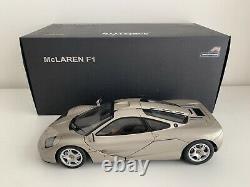 Mclaren F1 AUTOart Silver Road Car Titanium Silver AA