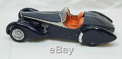 Modellauto 118 CMC Bugatti 57 SC 1938, corsica Roadster Award Winning M-136