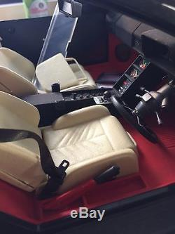 Pocher Ferrari Testarossa 1/8 Model, Black /Cream