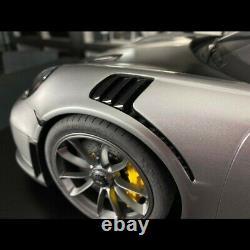 Porsche 911 GT2 RS type 991.2 2018 Gris argenté GT 1/8 Minichamps 800620004
