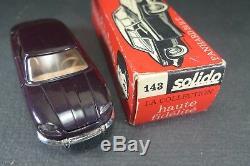 SOLIDO FRANCE. Série 100. PANHARD 24 BT. (aubergine) REF 143 + boite