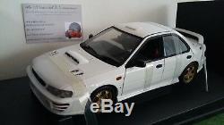 SUBARU IMPREZA WRX 4DRS blanc 1/18 AUTOART 78621 voiture miniature de collection