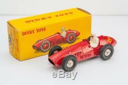 Superbe Dinky Toys Auto de Course Ferrari 23J