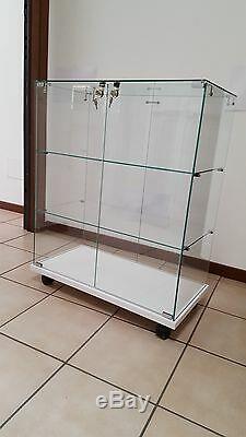 Vitrines pour les collections, vitrine, vitrine en verre, vitrines modele