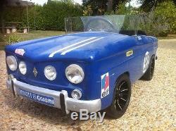 Voiture à pédales Renault 8 Gordini